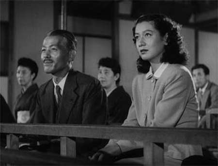 late-spring-noriko-and-shukichi-watching-a-noh-play